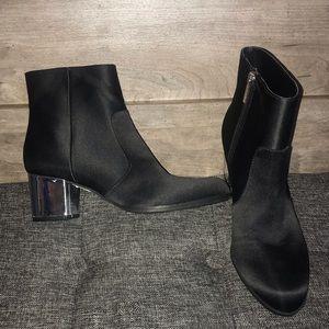 Unisa Black Satin Mirrored Heel Boots S-5 1/2
